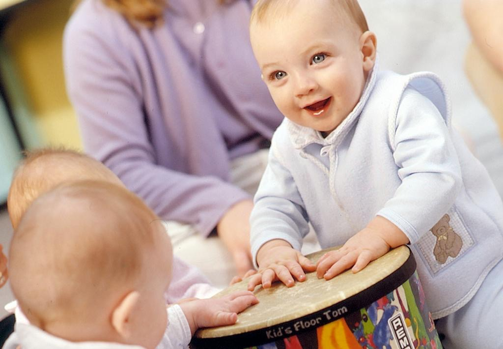 baby-and-drum1_full